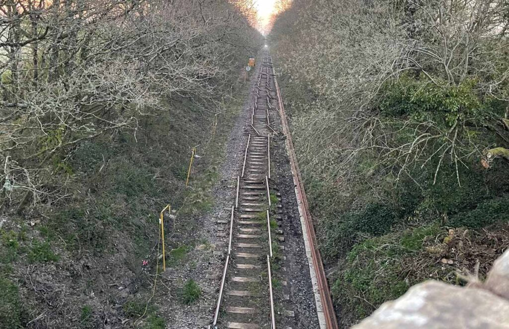 Cropped track